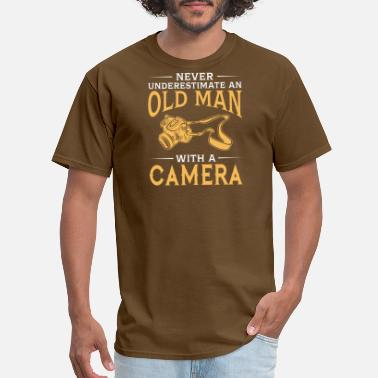 Never Underestimate An Old Man Camera funny An Old Man With A Camera - Men's T-Shirt