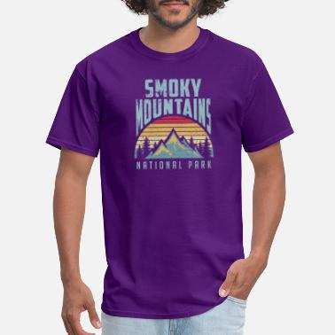 Smoky great smoky mountains national park tennessee retr - Men's T-Shirt