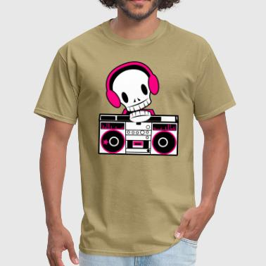 DJ skull with 80s tapedeck decks ! - Men's T-Shirt