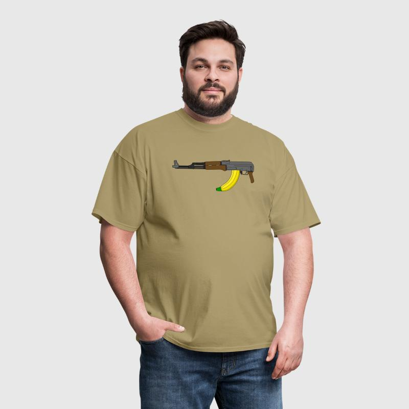 AK-47 with banana clip - Men's T-Shirt
