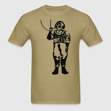 Vintage Deep Sea Diver with Diving Helmet and Hose - Men's T-Shirt