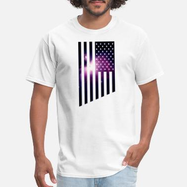 Purple Flag Galaxy USA The American Flag with a purple outer - Men's T-Shirt