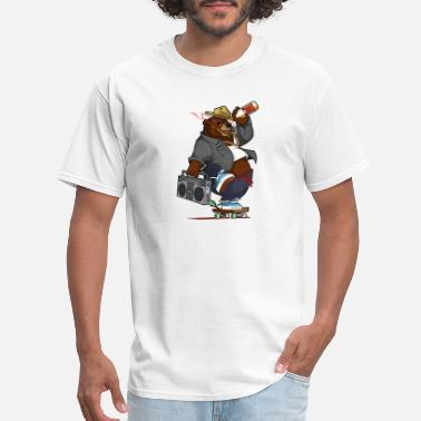 Smokey Bear smokey the skateboard bear - Men's T-Shirt