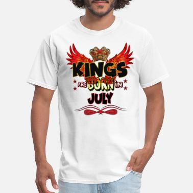 Month KINGS ARE BORN IN JULY - Men's T-Shirt
