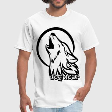 Wolf Howling At Moon - Men's T-Shirt