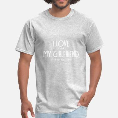 Play I love it when my girlfriend lets me play video ga - Men's T-Shirt