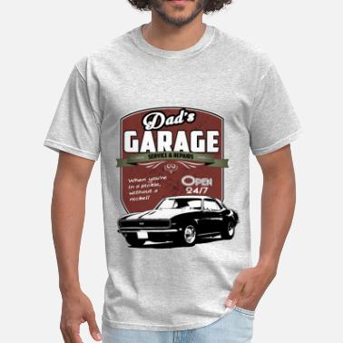 1969 Camaro Dad's Garage Sign - Men's T-Shirt
