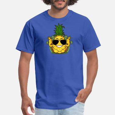 Juicehead Pineapple with sunglasses - Men's T-Shirt