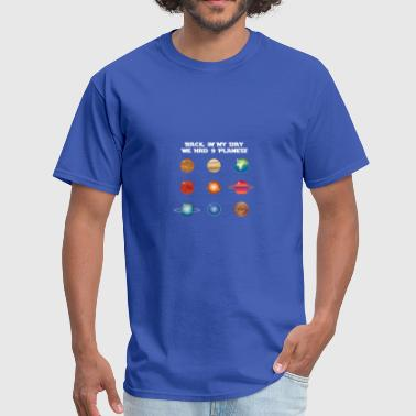 9 Planets gift for Astronomy Lovers - Men's T-Shirt