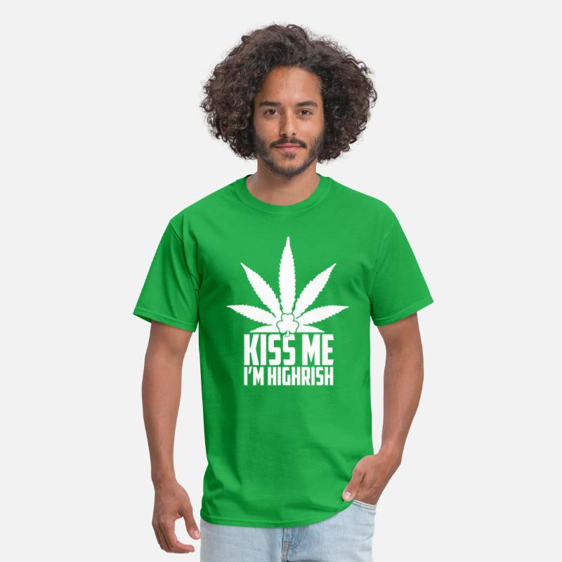 Irish T-Shirts - Kiss me I'm highrish - Men's T-Shirt bright green
