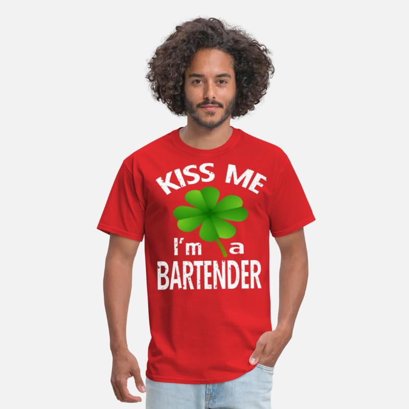 ad1f8fec83 Kiss Me I'm A Bartender Tee Irish St Patrick's Day Men's T-Shirt |  Spreadshirt