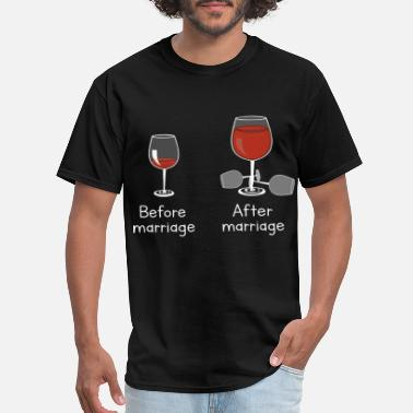 Cork before marriage after marriage happy funny love he - Men's T-Shirt
