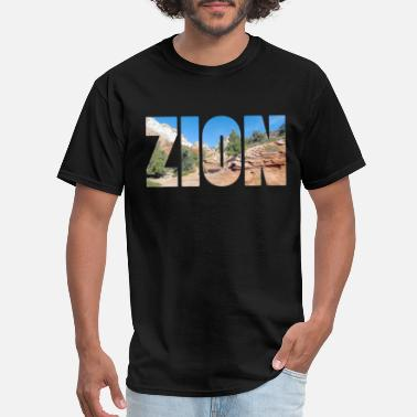 Zion National Park Utah Zion National Park, Utah great for hikers - Men's T-Shirt