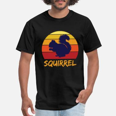 Nut House Squirrel nuts bark tree house - Men's T-Shirt