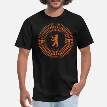 Souvenir Berlin Emblem / Manhole Cover Print / orange - Men's T-Shirt