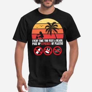 Cleaning Beach CleanUp Shirt: Up 5 Pieces Of Plastic And Keep Our Beaches Clean - Men's T-Shirt