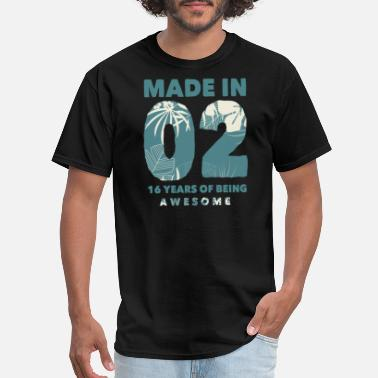 Born-in-2002-birthdays Born in 2002 - Men's T-Shirt