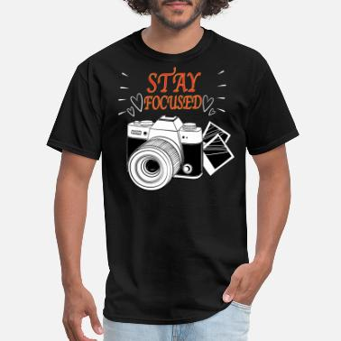 3d Graphics Stay Focused - Men's T-Shirt