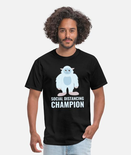 Social T-Shirts - Social distancing champion - Men's T-Shirt black