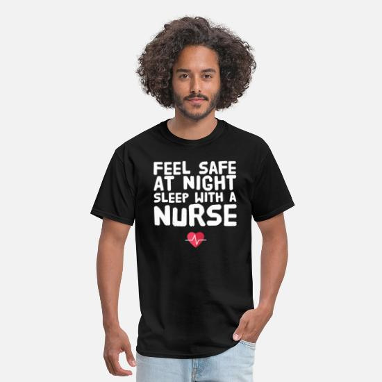 Feel T-Shirts - Feel safe at night sleep with a nurse - Men's T-Shirt black