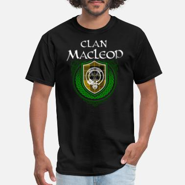 Family Reunion Celtic MacLeod Surname Scottish Clan Tartan Crest Badge - Men's T-Shirt