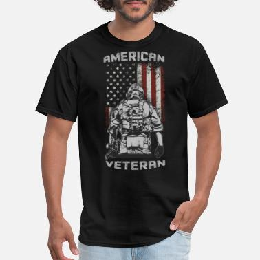 Under The Influence American veteran soliders us under USA flag - Men's T-Shirt