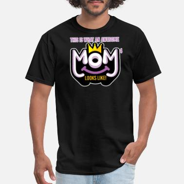 Awesome Cousin Looks Like Awesome Mom of 4 looks like - Men's T-Shirt
