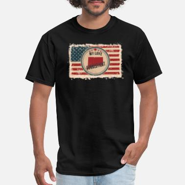 Haven Connecticut State Silhouette on Vintage US Flag - Men's T-Shirt