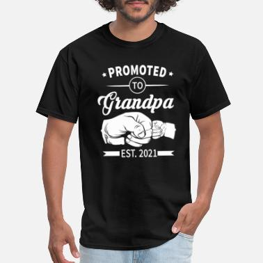Announcement Promoted to Grandpa Est 2021 Soon to be Grandpa - Men's T-Shirt