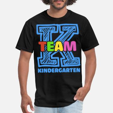 team kindergarten tecaher for men and women nerd c - Men's T-Shirt