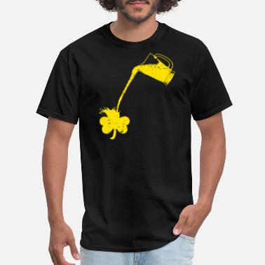 Pouring Pouring Shamrock - Men's T-Shirt
