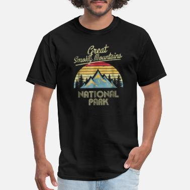 Smoky Vintage Great Smoky Mountains National Park - Men's T-Shirt