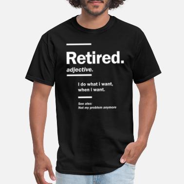 Officially Retired Funny Retirement Party Grandad Grandma Dad Mum Mom T-SHIRT