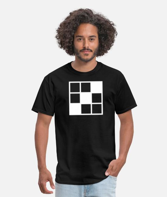 Shape T-Shirts - noughts and crosses grid with filled in squares - Men's T-Shirt black