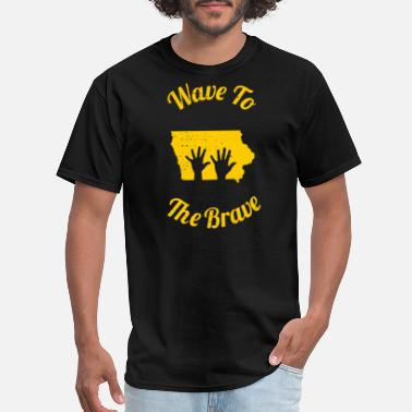 Tailgate Kids Iowa Wave to the Brave Children's Hospital - Men's T-Shirt