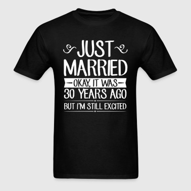 30 Wedding Anniversary Just Married - Men's T-Shirt