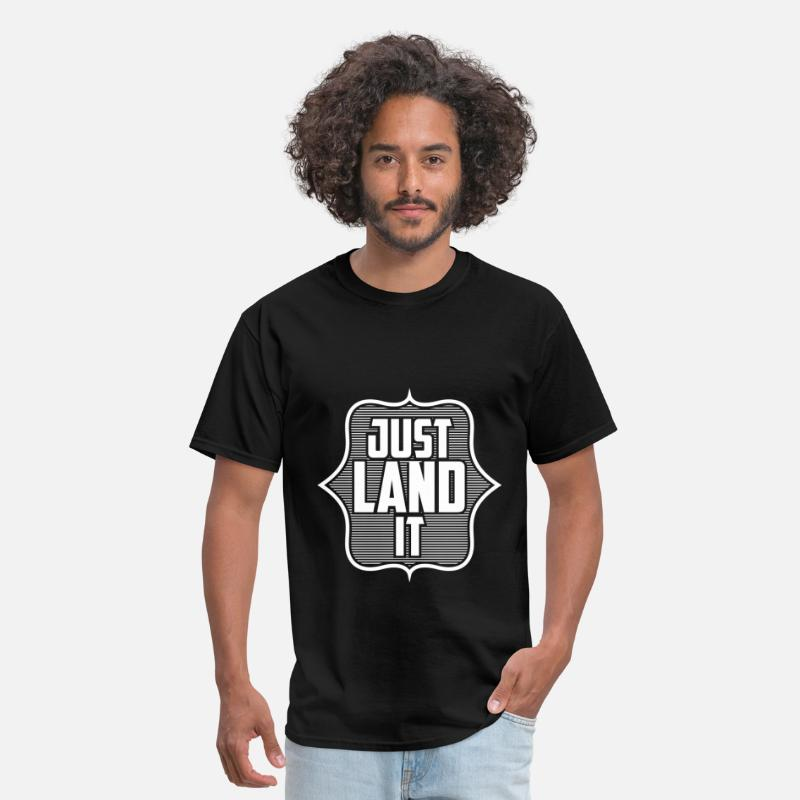 Ice Skating T-shirt T-Shirts - Ice skating - Just land it - Men's T-Shirt black
