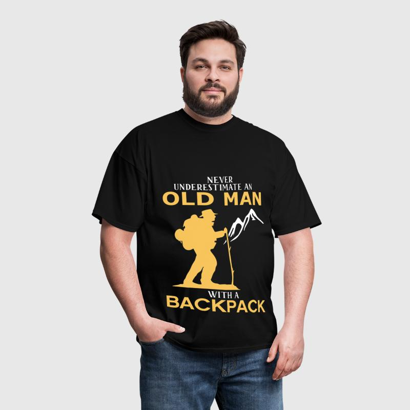 Never Underestimate An Old Man With A Backpack - Men's T-Shirt