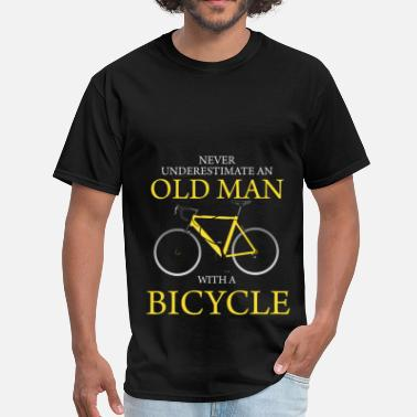 Never Never Underestimate Old Man With Bicycle - Men's T-Shirt