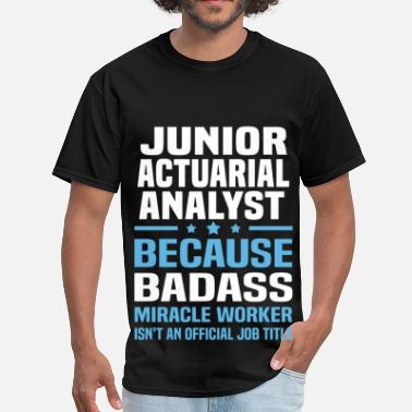 Junior Analyst Junior Actuarial Analyst - Men's T-Shirt