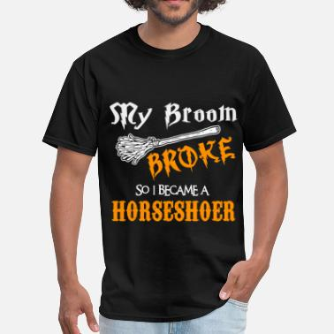 Pitching Horseshoer - Men's T-Shirt