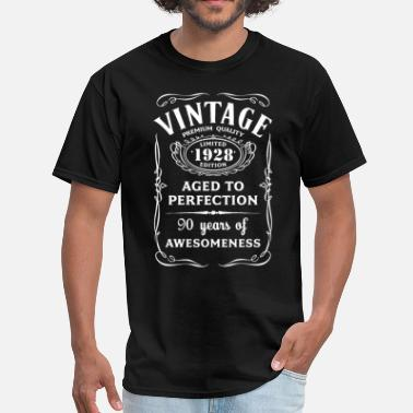 Made In 1928 Vintage Limited 1928 Edition 90th Birthday Gift - Men's T-Shirt