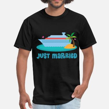 Honeymoon Just Married Honeymoon Cruise - Men's T-Shirt