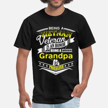 Veteran Grandpa Is Priceless Vietnam veteran - Being a Grandpa is priceless - Men's T-Shirt