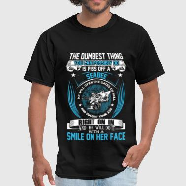 Seabee - He will do it with a smile on her face - Men's T-Shirt
