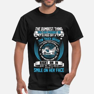 Tow Tow truck driver, He'll do it with a smile on face - Men's T-Shirt