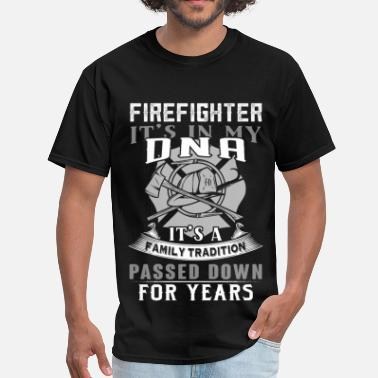 Skull Fireman Fireman - It's a family tradition passed down - Men's T-Shirt