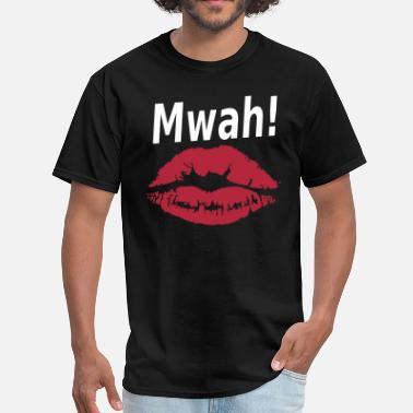Mwah Mwah! Lipstick Kiss. - Men's T-Shirt