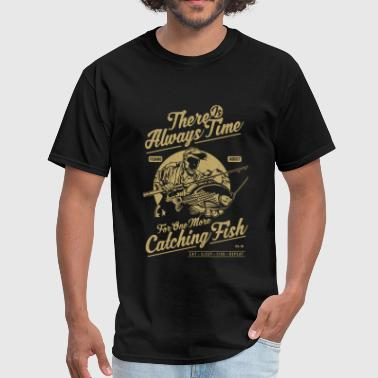 Fishing Catching Fish - Men's T-Shirt