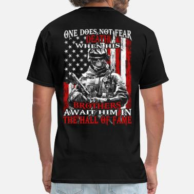 Patriotic Patriot - Brothers await him in the hall of fame - Men's T-Shirt
